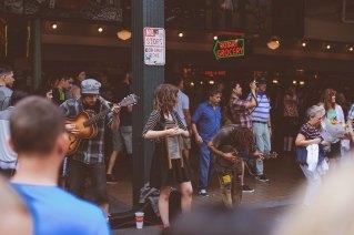 Street performers jammin'